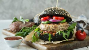 hamburger, black bread, vegetarian-2856548.jpg